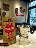 CAFETERA VOLTURNO BRILLOSA 3P + 250 GR DE CAFÉ TOSTADO marca Bonafide