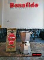 CAFETERA VOLTURNO MOKA 6P + 250 GR DE CAFÉ TOSTADO marca Bonafide