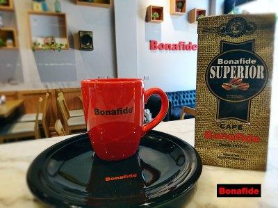 TAZA Y PLATO BONAFIDE + 250 GR CAFE